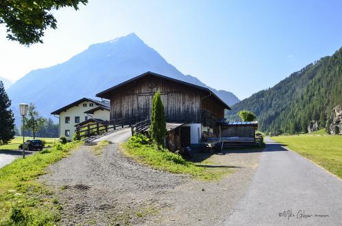 Austria 15 12x