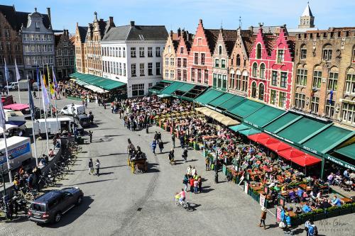 Bruges market 12x