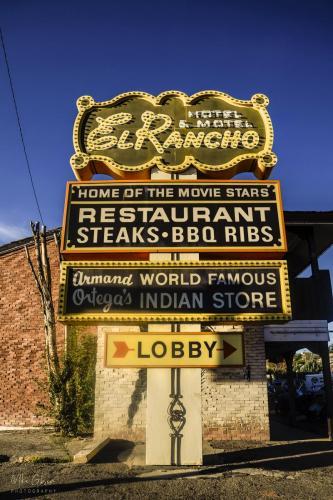 El Rancho sign 12x18