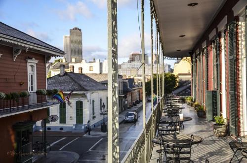 French Quarter balcony view 12x