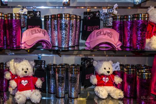 Graceland merchandise with teddies 12x