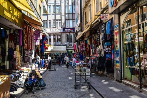 Istanbul street 2 1800 mgp