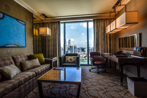 Marina Bay Hotel room 12x8