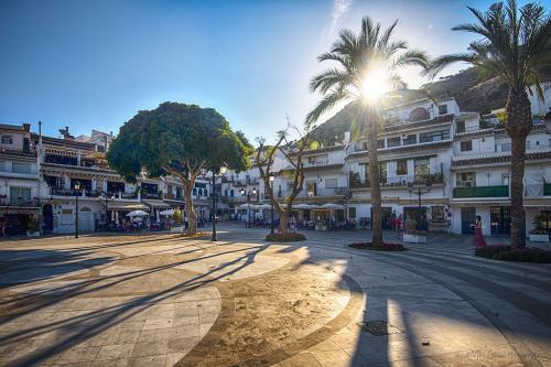 Mijas town square 12x