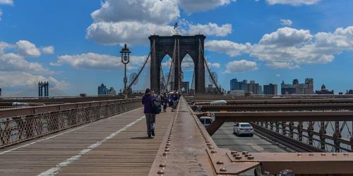On Brooklyn Bridge 1800x1200s