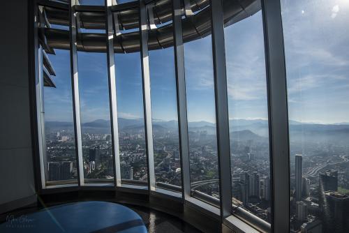 Petronas Tower interior 1 12x