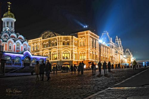 Red Square night 18x12 a mgp s