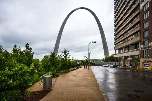 St Louis street with arch 12x