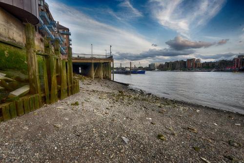 The Thames near Tower Bridge 12x18