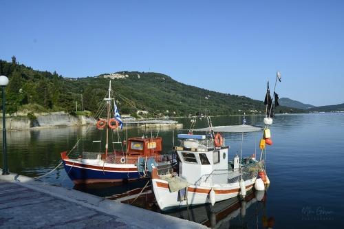 corfu boats 12x