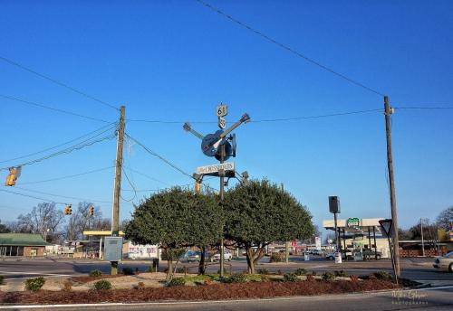 crossroads-clarksdale-mississippi 12x18