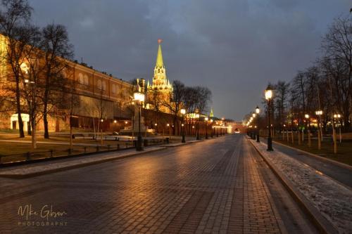 gorky park and kremlin 18x12 mgp