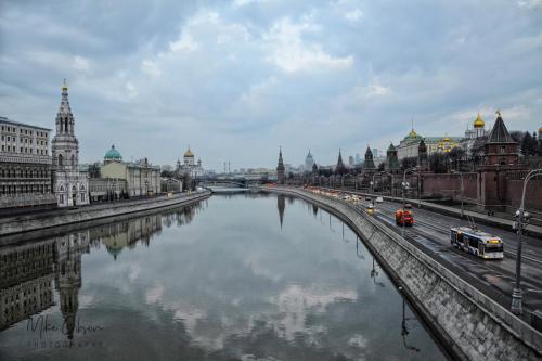 kremlin and river 18x12 mgp