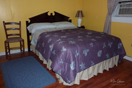 riverside-hotel-room 12x
