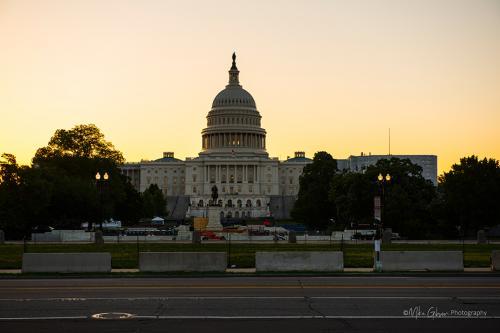 Capitol Building at dawn 2 mgp 12 (1)