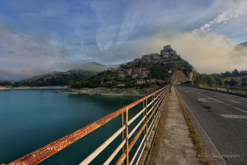 Castel di Tora sunrise from bridge mgpx