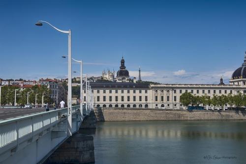 Lyon 2 (1)