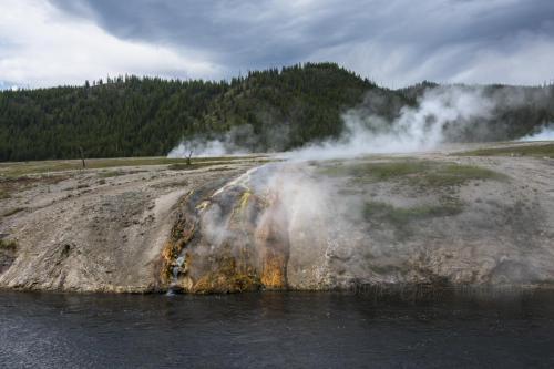 Yellowstone 13 x
